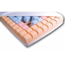 Antidekubitný matrac s penovými kockami