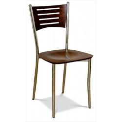 Drevená stolička v štyroch farbách