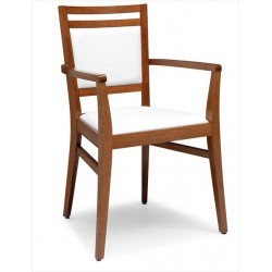 Stolička s praktickými podrúčkami