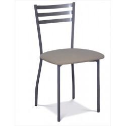 Kovová stolička do kaviarne
