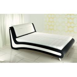 Moderná posteľ pre manželov