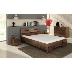 Vysoká posteľ z borovice s úložným priestorom