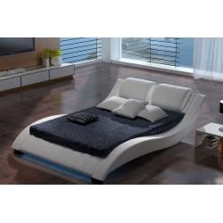 Moderná manželská posteľ  KM10 s LED