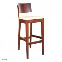 Stolička s čalúnením a masívnou konštrukciou KT192