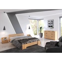 Dlhá posteľ z borovice do spálne