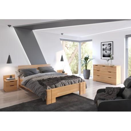 Dlhá a vysoká posteľ z bukového dreva ARHUS