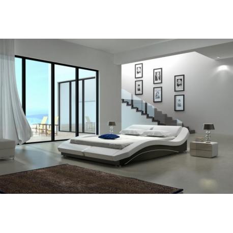 Originálna manželská celočalúnená posteľ MADERA