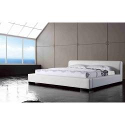 Čalúnená dvojlôžková posteľ