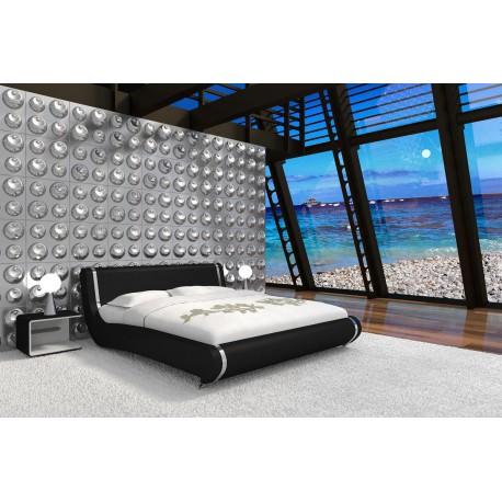 Čierna manželská posteľ