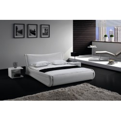 Biela luxusná posteľ
