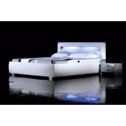 Biela čalúnená posteľ