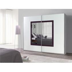 Fialovo-biela skriňa so zrkadlom