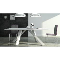 Moderný stôl do jedálne