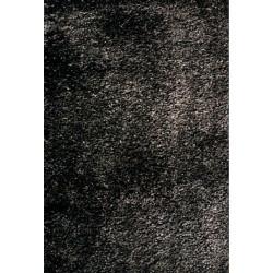Čierny koberec