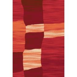 Červený koberec s krátkym vlasom